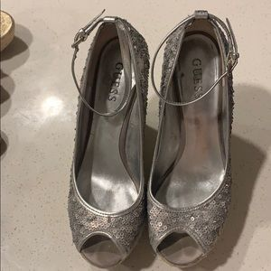 Guess wedges with silver sequence